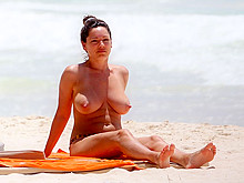 Kelly Brook Topless