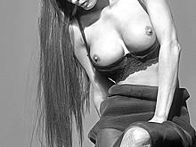 Malgosia Bela Naked